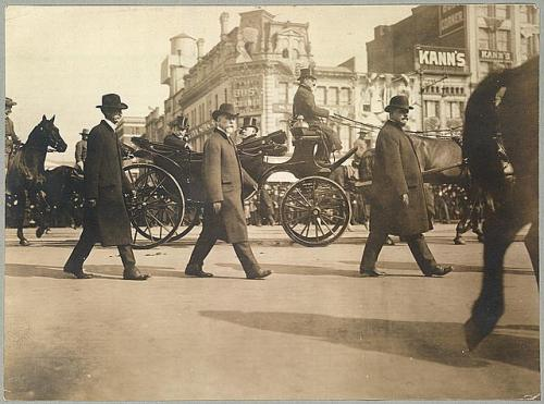 Theodore Roosevelt riding down Pennsylvania Ave. to his second inaugural.